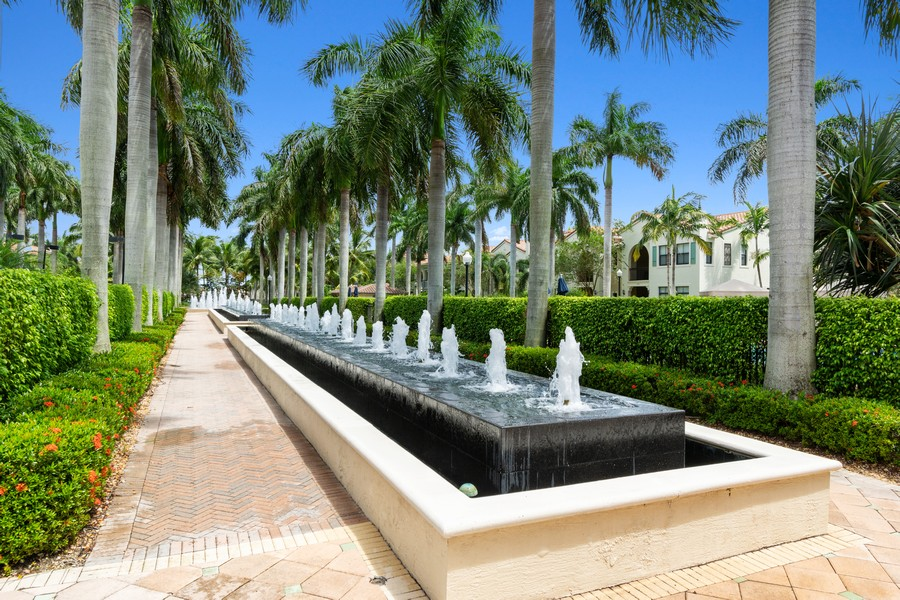 Real Estate Photography - 12660 NW 32nd Manor, Sunrise, FL, 33323 - Walking Path