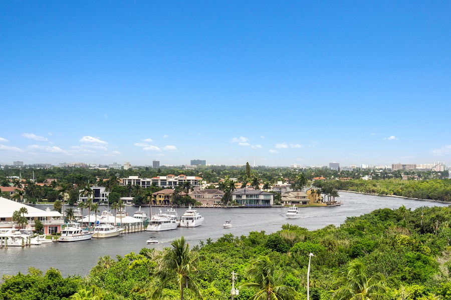 Real Estate Photography - 2845 NE 9th St, Unit 905, Fort Lauderdale, FL, 33304 - Direct Intracoastal View