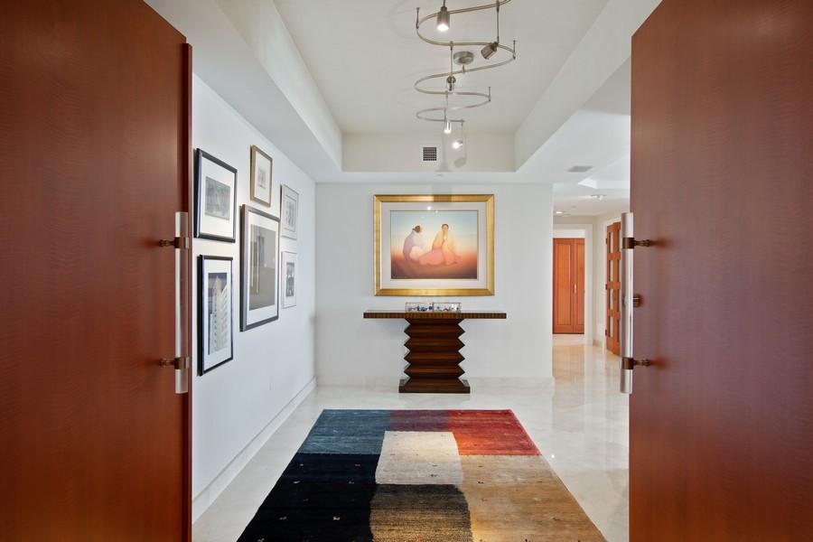 Real Estate Photography - 2845 NE 9th St, Unit 905, Fort Lauderdale, FL, 33304 - Foyer