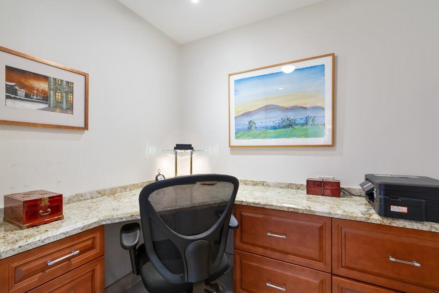 Real Estate Photography - 2845 NE 9th St, Unit 905, Fort Lauderdale, FL, 33304 - Office