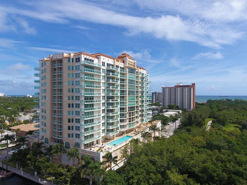 Real Estate Photography - 2845 NE 9th St, Unit 905, Fort Lauderdale, FL, 33304 - Le Club (Adjacent to Bonnet House Grouds)