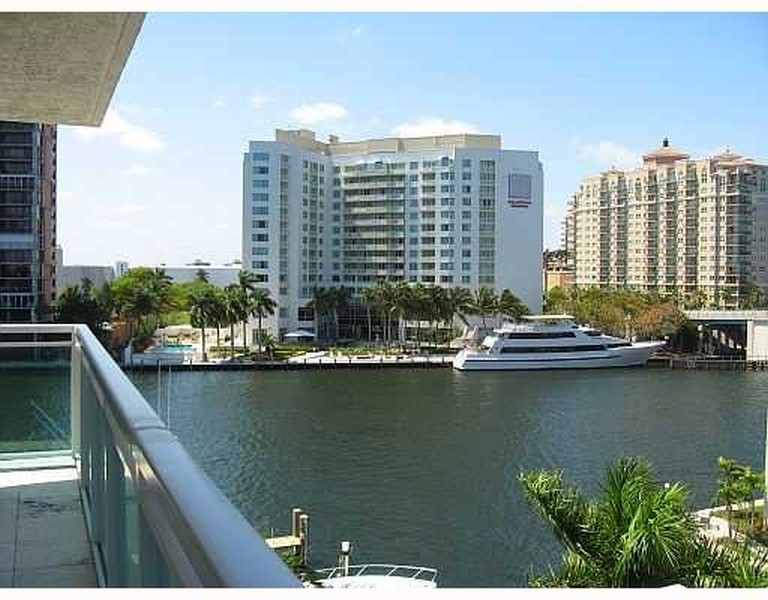 Real Estate Photography - 2845 NE 9th St, Unit 905, Fort Lauderdale, FL, 33304 - Additional Intracoastal View