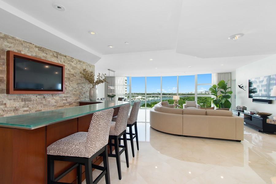 Real Estate Photography - 2845 NE 9th St, Unit 905, Fort Lauderdale, FL, 33304 - Living Room-Bar