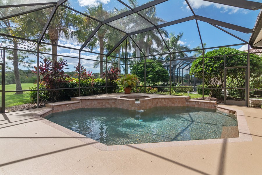 Real Estate Photography - 6618 The Masters Ave, Lakewood Ranch, FL, 34202 - Pool