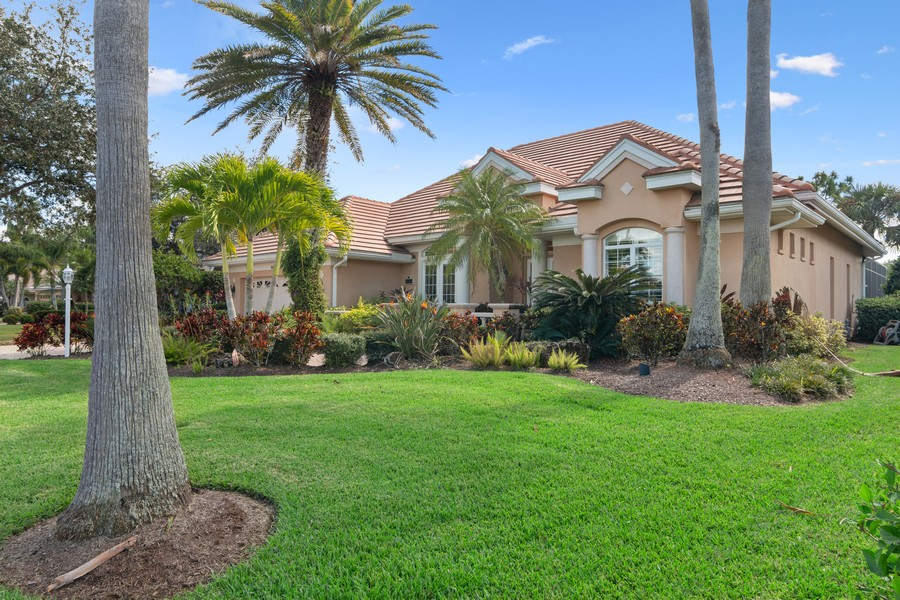 Real Estate Photography - 6618 The Masters Ave, Lakewood Ranch, FL, 34202 - Front View