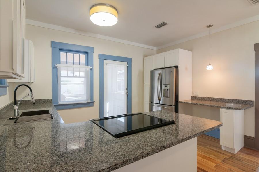 Real Estate Photography - 2562 Loma Linda St., Sarasota, FL, 34239 - Kitchen
