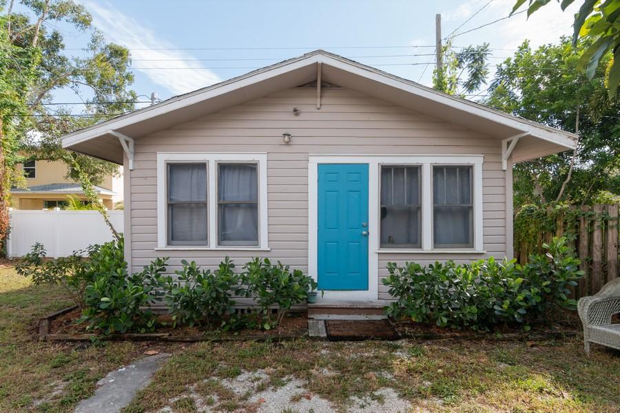 Real Estate Photography - 2562 Loma Linda St., Sarasota, FL, 34239 -