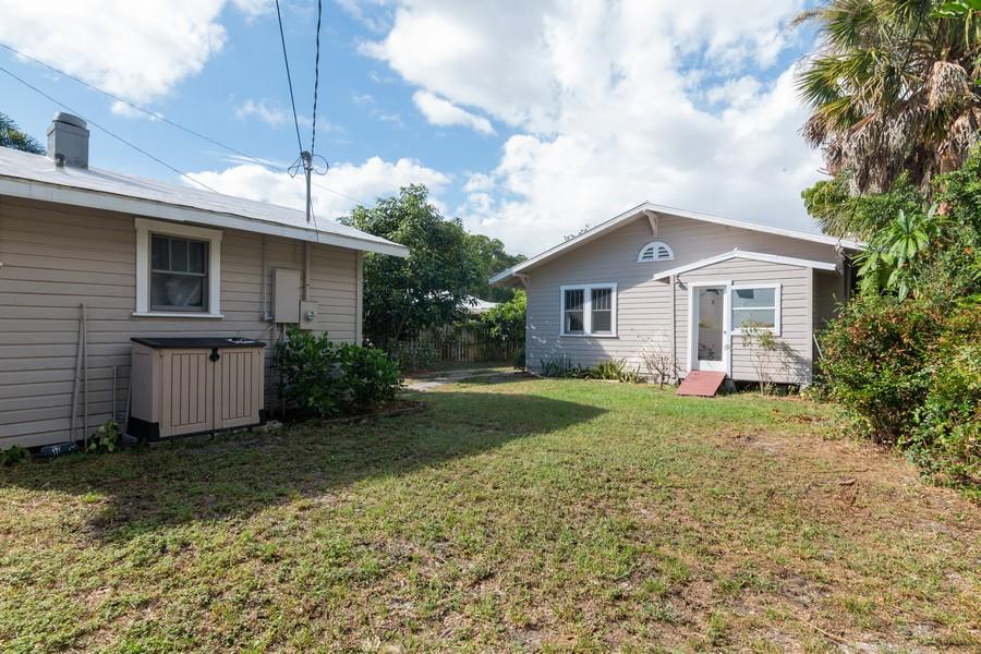 Real Estate Photography - 2562 Loma Linda St., Sarasota, FL, 34239 - Back Yard
