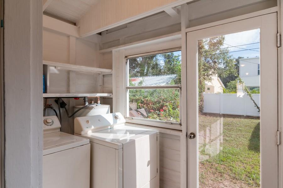 Real Estate Photography - 2562 Loma Linda St., Sarasota, FL, 34239 - Laundry Room