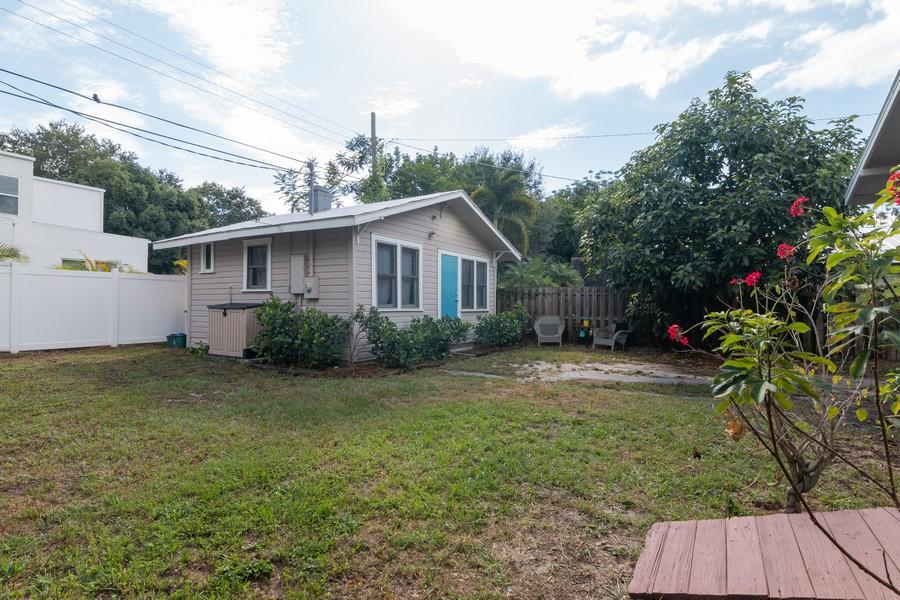 Real Estate Photography - 2562 Loma Linda St., Sarasota, FL, 34239 - Guest House