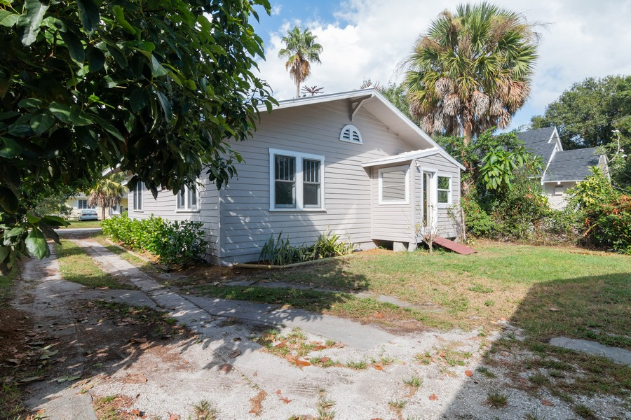 Real Estate Photography - 2562 Loma Linda St., Sarasota, FL, 34239 - Rear View