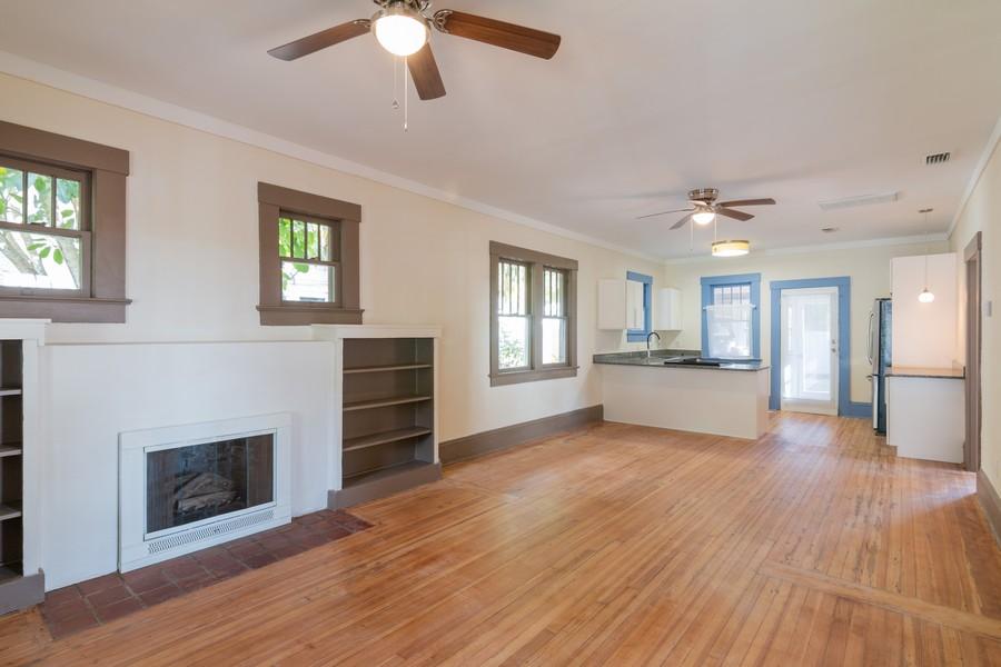 Real Estate Photography - 2562 Loma Linda St., Sarasota, FL, 34239 - Family Room / Kitchen