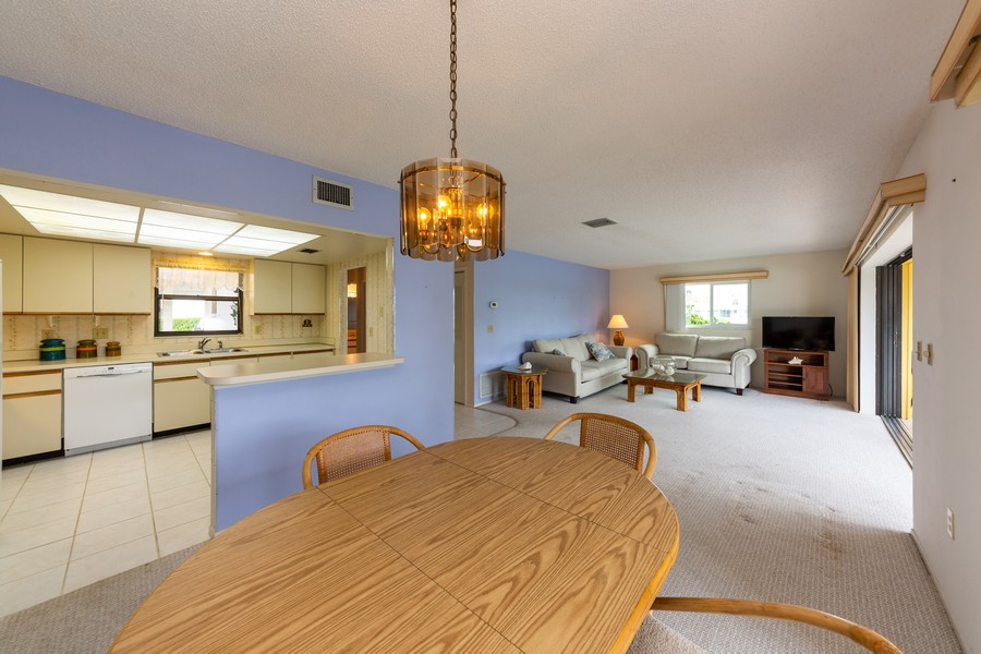 Real Estate Photography - 1783 Lake Pl, 1793-A, Venice, FL, 34292 - Great Room