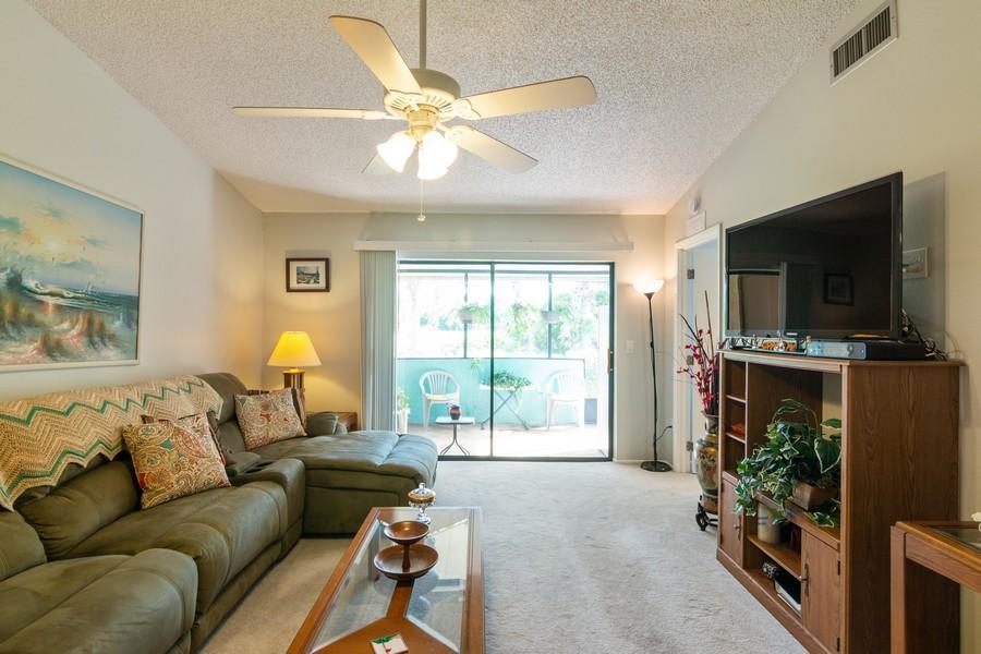 Real Estate Photography - 3607 Longmeadow, 45, Sarasota, FL, 34235 - Living Room