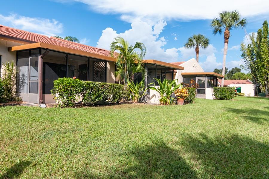Real Estate Photography - 3607 Longmeadow, 45, Sarasota, FL, 34235 - Back Yard