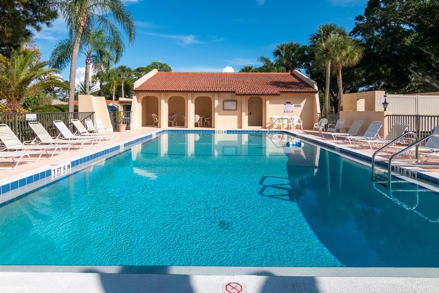 Real Estate Photography - 3607 Longmeadow, 45, Sarasota, FL, 34235 - Pool