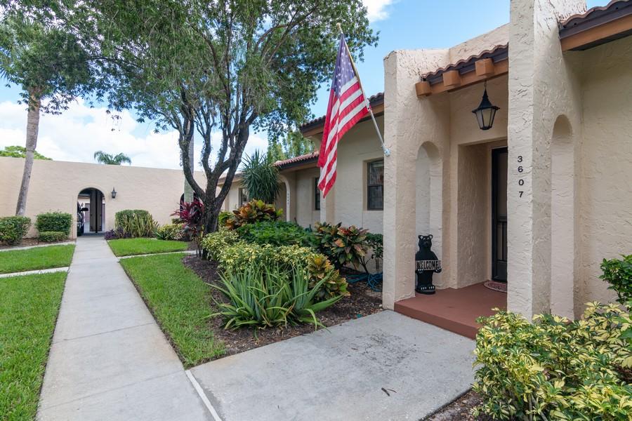 Real Estate Photography - 3607 Longmeadow, 45, Sarasota, FL, 34235 - Front View