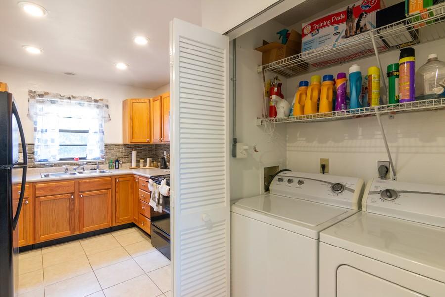 Real Estate Photography - 3607 Longmeadow, 45, Sarasota, FL, 34235 - Laundry Room