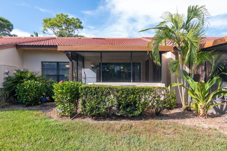 Real Estate Photography - 3607 Longmeadow, 45, Sarasota, FL, 34235 - Rear View