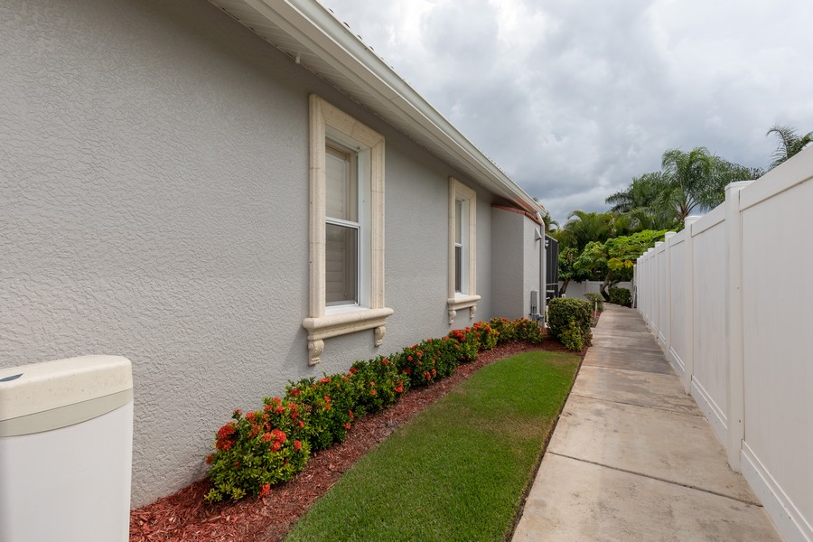 Real Estate Photography - 22 Madison Dr, Naples, FL, 34110 - Side View