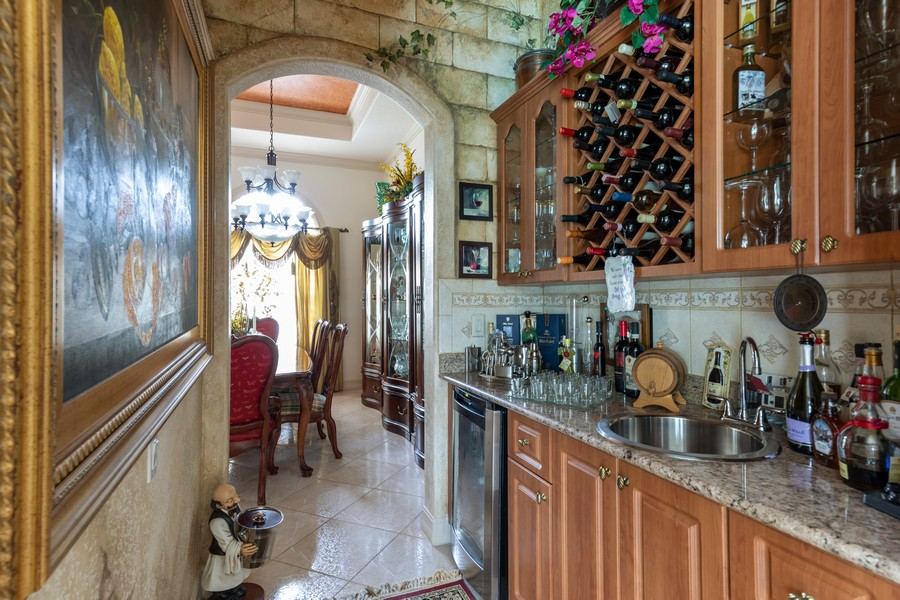 Real Estate Photography - 22 Madison Dr, Naples, FL, 34110 - Bar