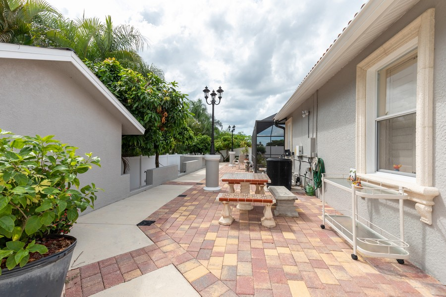 Real Estate Photography - 22 Madison Dr, Naples, FL, 34110 - Patio