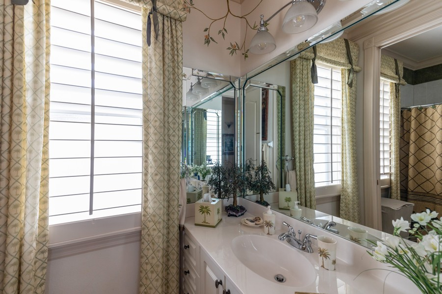 Real Estate Photography - 22 Madison Dr, Naples, FL, 34110 - 2nd Bathroom