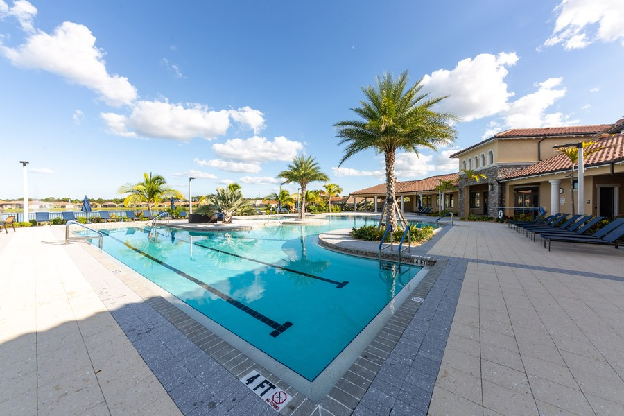 Real Estate Photography - 11660 Tapestry Lane, Venice, FL, 34293 - Pool