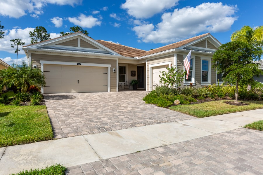 Real Estate Photography - 11660 Tapestry Lane, Venice, FL, 34293 - Front View
