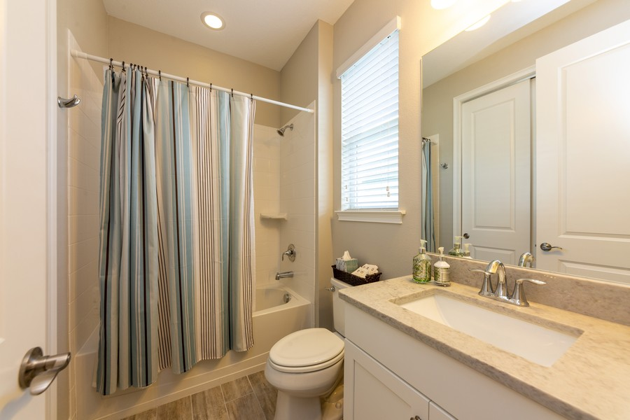 Real Estate Photography - 11660 Tapestry Lane, Venice, FL, 34293 - 2nd Bathroom