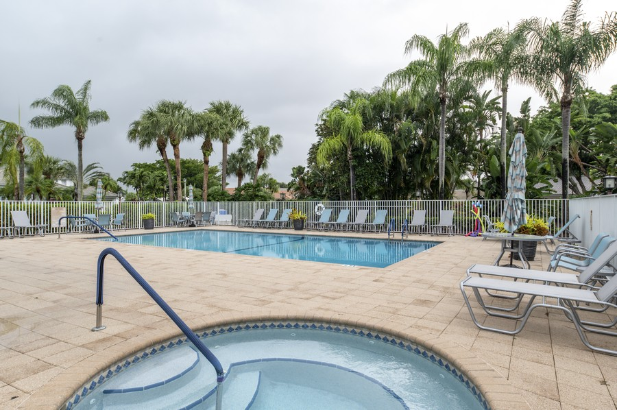 Real Estate Photography - 11877 Fountainside Circle, Boynton Beach, FL, 33437 - Hamptons Community Pool & Spa