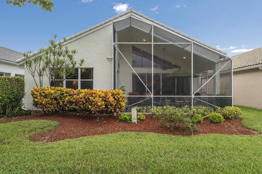 Real Estate Photography - 11877 Fountainside Circle, Boynton Beach, FL, 33437 - Exterior View