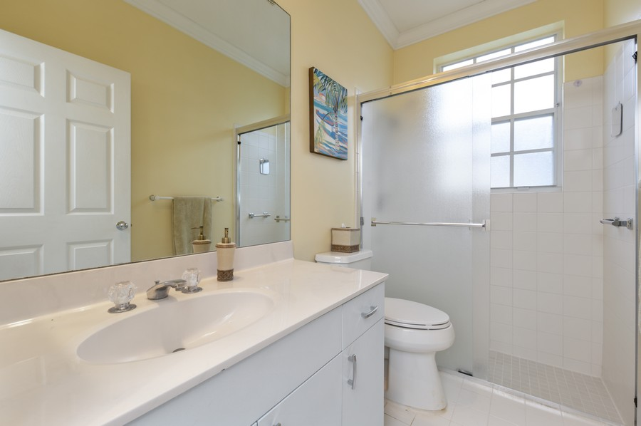 Real Estate Photography - 11877 Fountainside Circle, Boynton Beach, FL, 33437 - 2nd Bathroom