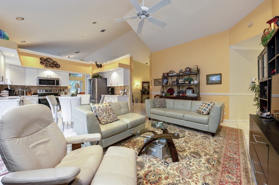 Real Estate Photography - 11877 Fountainside Circle, Boynton Beach, FL, 33437 - Family Room / Kitchen
