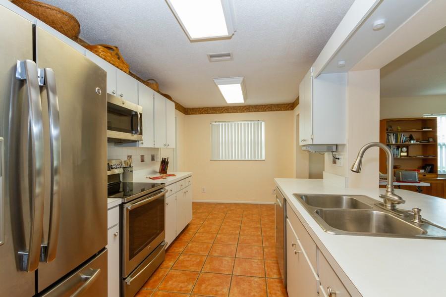 Real Estate Photography - 3811 97th Avenue N, Pinellas Park, FL, 33782 - Kitchen