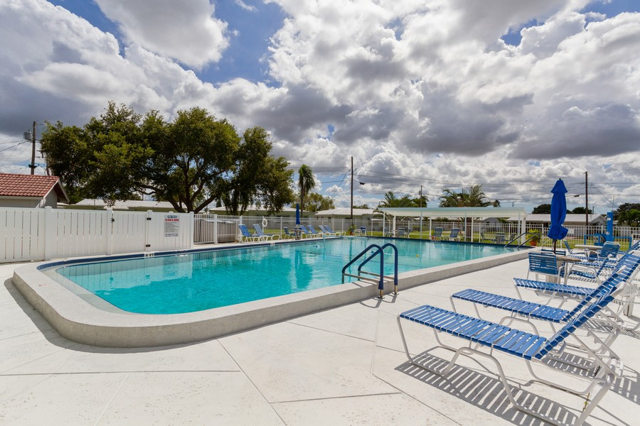 Real Estate Photography - 3811 97th Avenue N, Pinellas Park, FL, 33782 - Pool