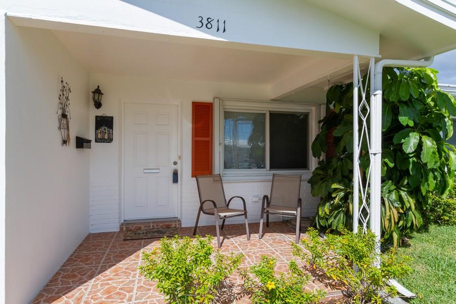 Real Estate Photography - 3811 97th Avenue N, Pinellas Park, FL, 33782 - Entrance