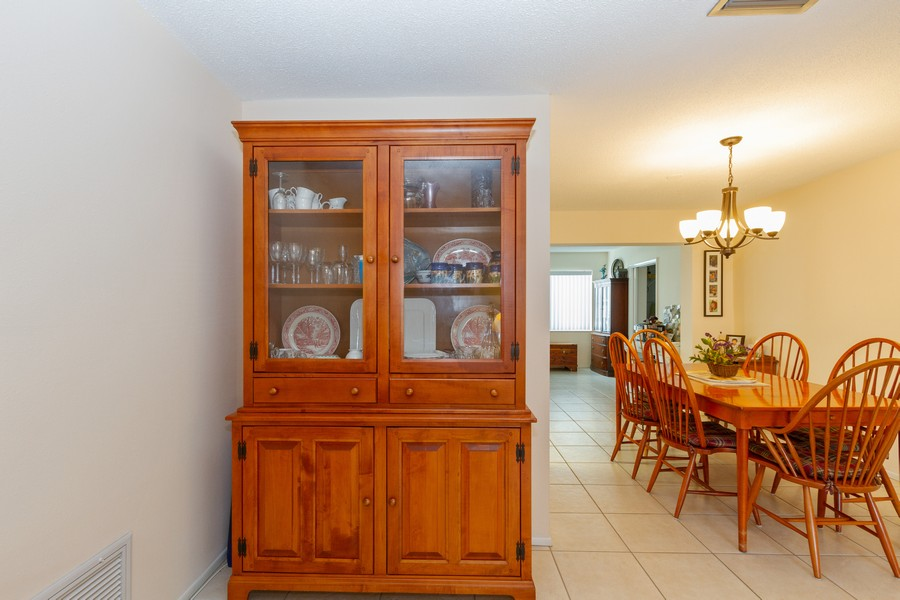 Real Estate Photography - 3811 97th Avenue N, Pinellas Park, FL, 33782 - Dining Area