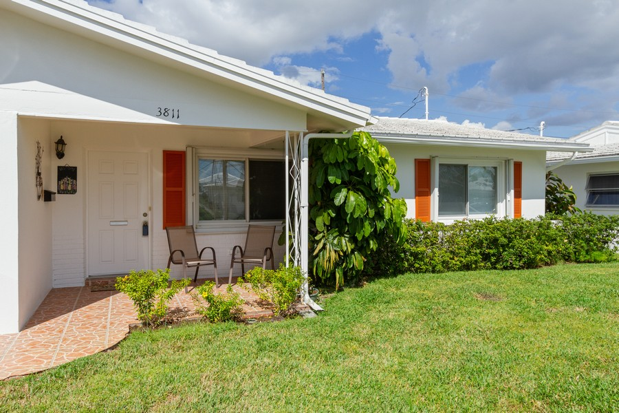 Real Estate Photography - 3811 97th Avenue N, Pinellas Park, FL, 33782 - Front View