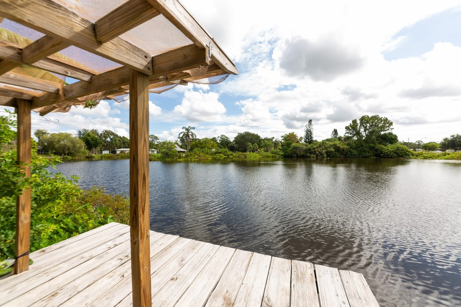 Real Estate Photography - 81 Lee Cir, Englewood, FL, 34223 - Deck