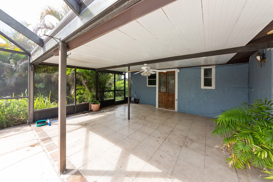 Real Estate Photography - 81 Lee Cir, Englewood, FL, 34223 - Patio