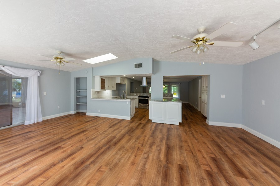 Real Estate Photography - 81 Lee Cir, Englewood, FL, 34223 - Great Room