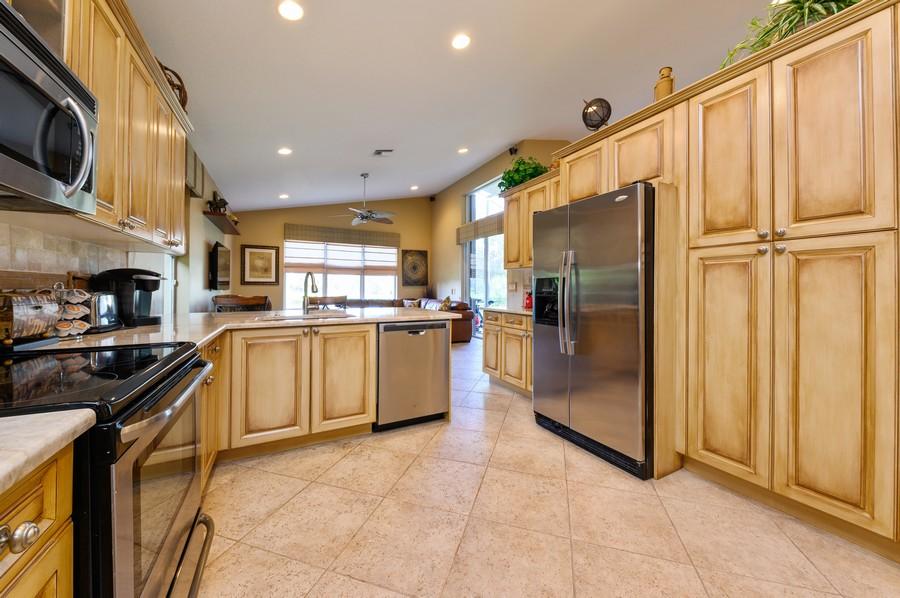 Real Estate Photography - 8775 Palm River Dr, Lake Worth, FL, 33467 - Kitchen