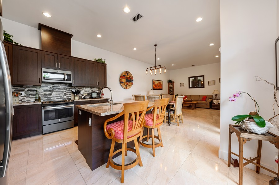 Real Estate Photography - 17341 Bermuda Village Dr, Boca Raton, FL, 33487 - Kitchen / Dining Room