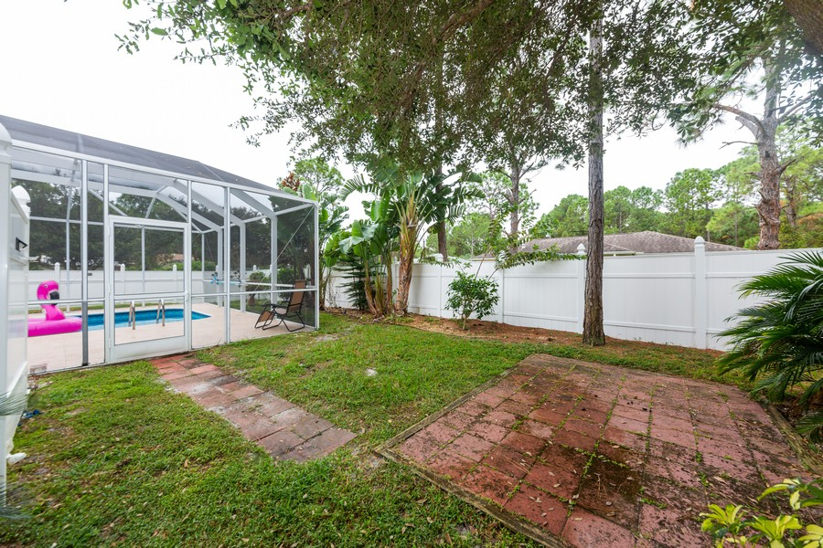 Real Estate Photography - 3475 Lotus Rd, North Port, FL, 34291 - Back Yard