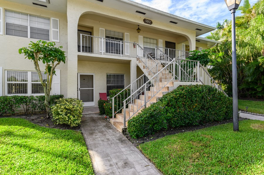 Real Estate Photography - 5912 Via Delray, B, Delray Beach, FL, 33484 - Front View