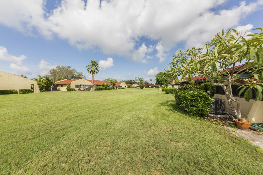 Real Estate Photography - 1410 57th Street West, Bradenton, FL, 34209 - Back Yard