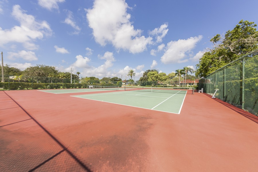 Real Estate Photography - 1410 57th Street West, Bradenton, FL, 34209 - Tennis Court