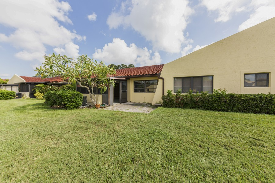 Real Estate Photography - 1410 57th Street West, Bradenton, FL, 34209 - Rear View