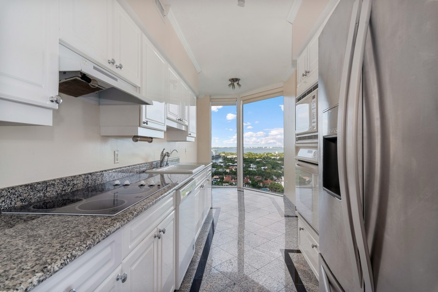 Real Estate Photography - 4779 Collins Ave., Unit 2007, Miami Beach, FL, 33140 - Kitchen / Breakfast Room